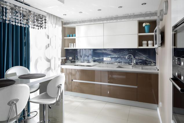 Zobacz Galerię Zdjęć Biało Brązowa Kuchnia Z Turkusowymi